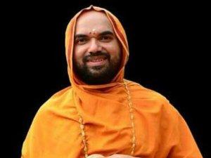 08-1444299163-raghaveshwaraswamiji