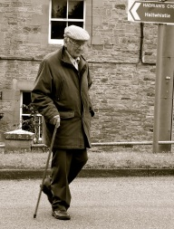 oldman-walking